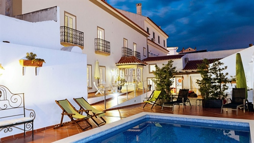 Successful 11 bedroom guest house with swimming pool in historic Arraiolos, Alentejo