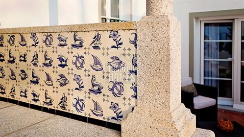 Bem sucedida casa de hóspedes com 11 quartos e piscina na histórica Arraiolos, Alentejo
