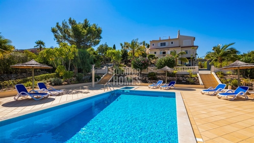 6 Bedroom Villa + Owners accommodation, with pool and superb...