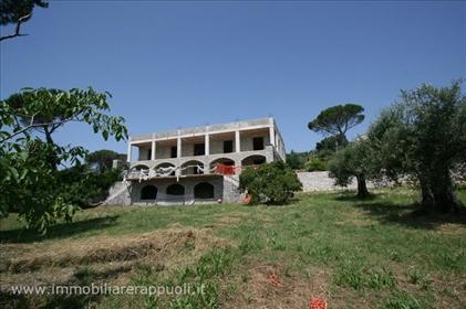 Tuoro Sul Trasimeno Lake View Villa zum Verkauf in Panoram