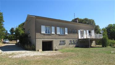 3 bed detached property with garden and views on edge of Cahors