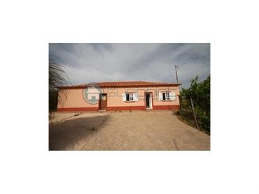 Casa do campo em localização tranquila - Sunpoint Properties - V172