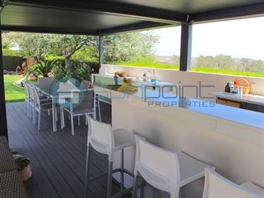 Moradia 4 Quartos, Piscina, Perto de Campos de Golf e Praia - Sunpoint Properties - V536