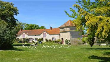 Maison Caractère, 14Has Prairies, Bois, Maison d'AMIS, Maiso...
