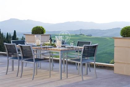 La Tosca The Luxury 11