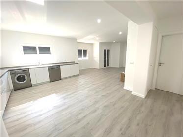 Appartement de 2 chambres - à 10 minutes à pied de la plage de São Martinho do Porto
