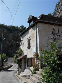 46000 Cahors, gorgeous bed and breakfast, 10 rooms, 6 bedrooms and 5 bathrooms / showeroom