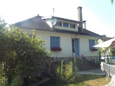 Secteur Bletterans : maison sur grand terrain 62 ares