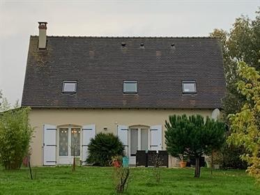 Ambillou maison individuelle 6 pièces sur 2000 M² de terrain