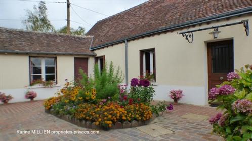 Saint Remy Sur Avre Maison de plain-pied - 3 chambres - Nombreuses dépendances - Garages - 2 caves -