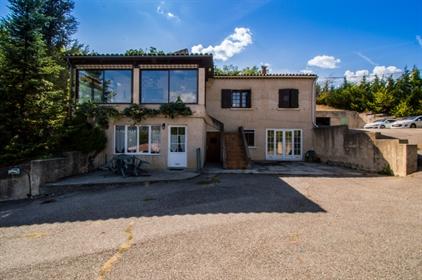 Maison Digne Les Bains 7 Pièces 190 M²