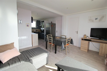 Exclusivite - Secteur Europe, appartement, entièrement rénové, composé d'une entrée, cuisi