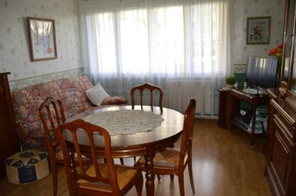 Je vous propose cet appartement de 54 m² situé dans un secteur apprécié dans saint remi. I
