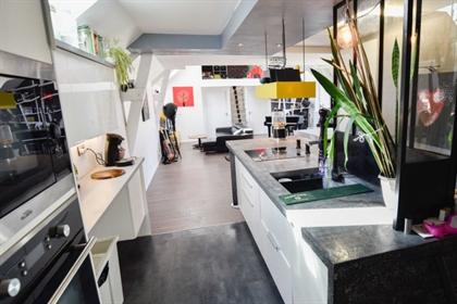 Bel appartement entièrement rénové comprenant grand espace de vie de 70 m2 avec cuisine am
