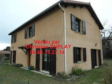 Marlhes 42660 proche des commodités maison traditionnelle 190m² habitables 5 chambres sur