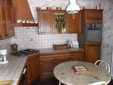 93370 Montfermeil - Secteur Franceville - Maison 6 pièces 130 m² - 5 chambres - Garage - Sous - sol
