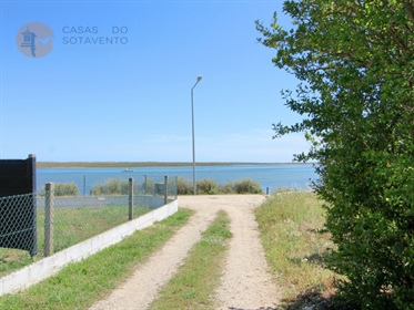 Terreno em 1ª linha na Ria Formosa