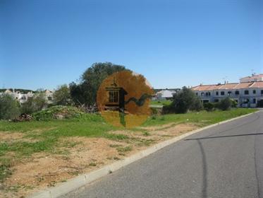 Terreno urbano com 4.892m2 junto ao Intermaché de Altura.