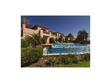 Villa T4 em Luxuoso Resort com Golf