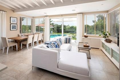 Vivenda: 220 m²
