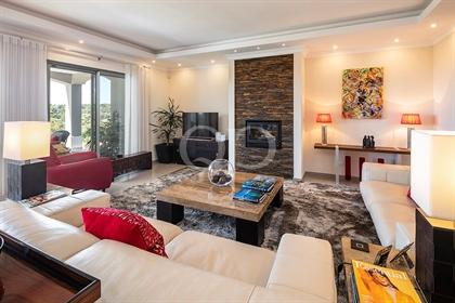 Villa elegante e contemporânea