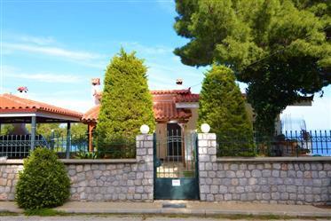 Μικρο Αμονι, Οίτυλο Μονοκατοικία 144 m2 στεγάσει