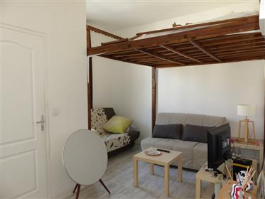 "Renovated top floor apartment near metro station and ""Vélodr..."