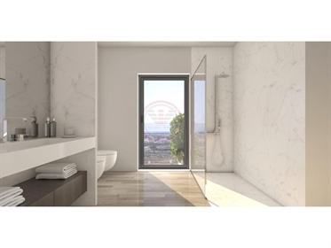 Penthouse de luxo T4/T5 em construção situados em Faro