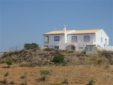 Casa: 279 m²