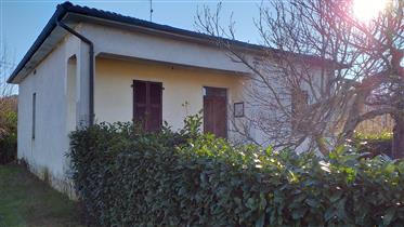 Grande Occasione in Toscana : Casa indipendente con giardino a 30 minuti dal mare ad un prezzo da So