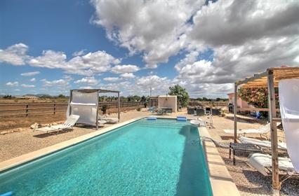 Schönes charmantes Haus im Finca-Stil in einem der bekanntesten Teile von Mallorca-Es Tren...