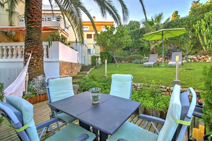 If living close to the marina and beach is something you've always dreamed of then look no...
