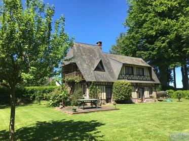 Maison Normande - 91 M2 - 4 Pieces - Parc De 2 200 M2