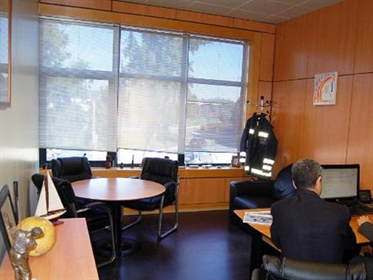 Venda de escritório, no Beloura Office Park, com 240 m2.