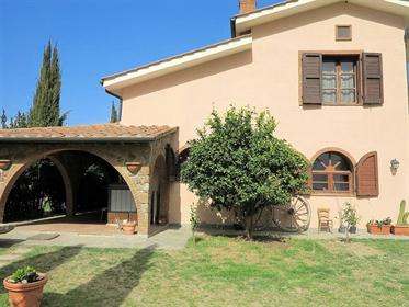 Rustico/Casale/Corte di 330 m2 a Gavorrano