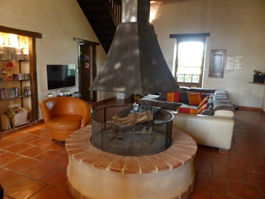 Habas - A large family home in perfect condition set in 3300m² of garden.