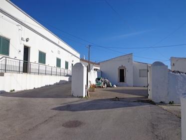 Dos casas típicas del Algarve con 4 dormitorios en São Brás de Alportel