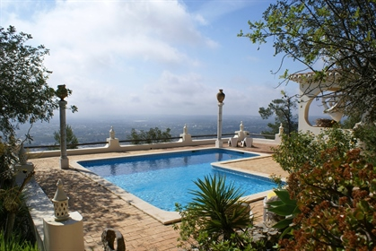 4 bedroom villa with a lot of charm in Goldra with a stunning Ocean view