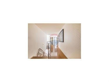 Fantástica Moradia V4 com Arquitectura Contemporânea. Excele...