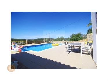 Moradia terrea V7 com anexos e piscina perto de Salir, Loulé