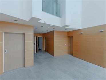 apartamento de 6 quartos triplex com 455 m ² de área bruta e...