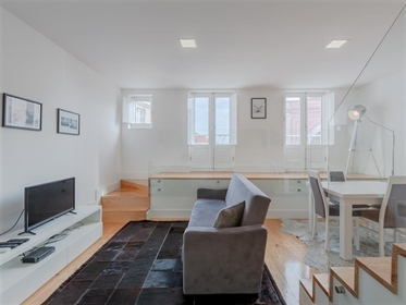 Apartamento de 2+2 quartos, como novo, no Largo do Chafariz ...