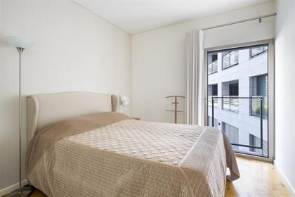 Ótimo apartamento inserido no condomínio nova amoreiras.