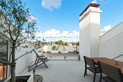 Magnífico apartamento duplex localizado entre Príncipe Real ...