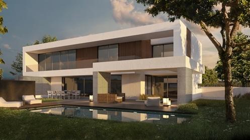 Villa d'architecture contemporaine en construction située da...