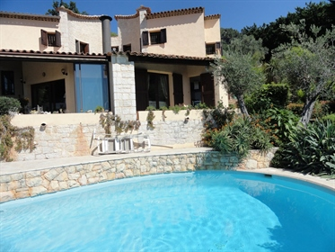 Villa 6 pièces, 2 piscines.