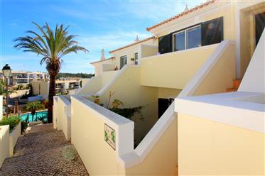 Casa duplex com vista mar entre praia e a antiga vila de Fer...