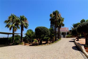 Elegante villa rural portuguesa com moradia de luxo perto de Porches