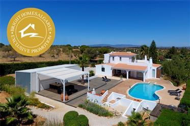 Élégante villa rurale portugaise avec chalet d'hôtes de luxe...