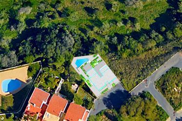 Baugrundstück mit Plan für freistehendes Doppelhaus mit Pool in Ferragudo